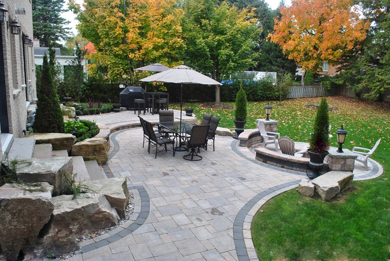 backyard-paver-patio landscape