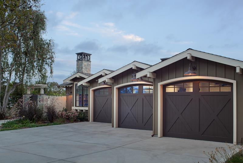 Your garage door is the first thing that your guests can see upon arrival at your home. [Image Credit: Home Epiphany]