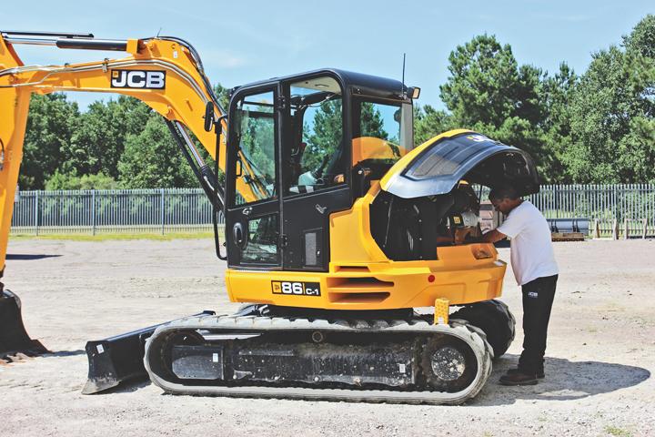 mini excavator maintenance
